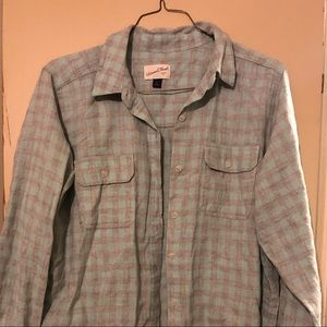 Plaid long sleeve buttons up